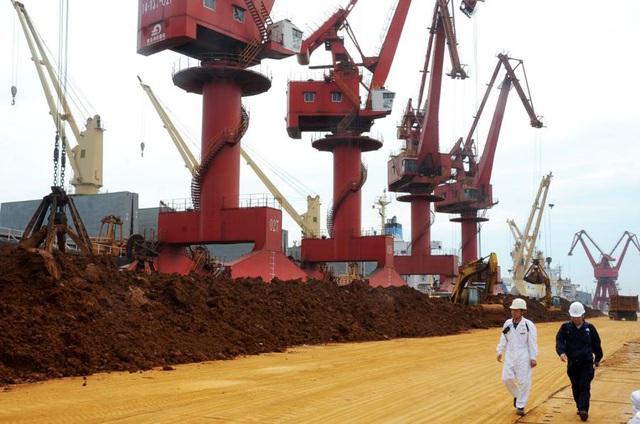 Căng thẳng leo thang, Trung Quốc dọa đưa đất hiếm vào danh sách đen - 1