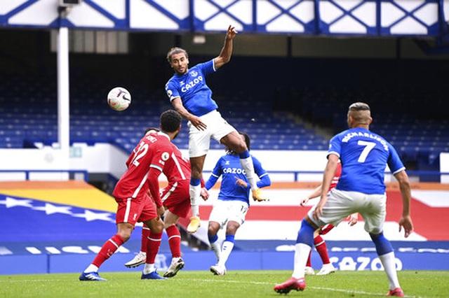 Everton 2-2 Liverpool: Màn rượt đuổi quyết liệt - 4