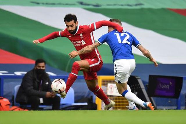 Everton 2-2 Liverpool: Màn rượt đuổi quyết liệt - 7
