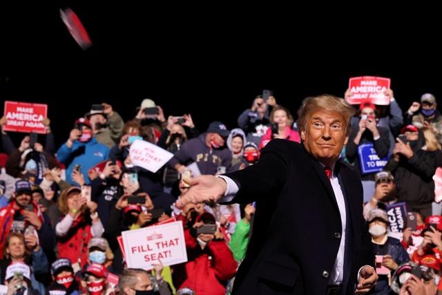 """Bầu cử Mỹ 2020: Ông Trump tung chiến thuật """"gieo rắc sợ hãi"""" lôi kéo cử tri - 1"""