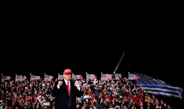 """Bầu cử Mỹ 2020: Ông Trump tung chiến thuật """"gieo rắc sợ hãi"""" lôi kéo cử tri - 2"""