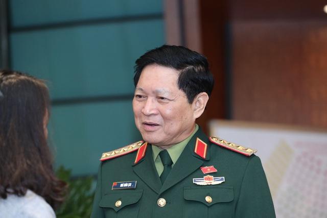 Bộ trưởng Quốc phòng: Sẽ bố trí việc làm cho con em các chiến sĩ hi sinh - 1