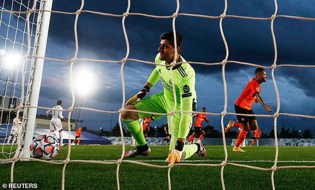 Real Madrid thua sốc Shakhtar Donetsk tại Bernabeu - 2