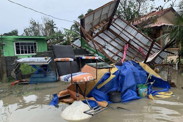 Bão Molave càn quét Philippines, ít nhất 13 người mất tích - 5