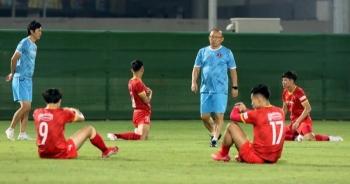Văn Thanh bỏ dở buổi tập ở đội tuyển Việt Nam, HLV Park lo lắng