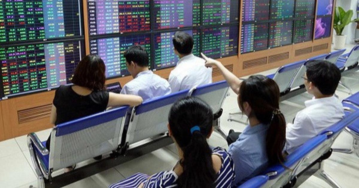"""VN-Index """"tăng ga, vượt dốc"""", giới đầu tư đang đổ tiền vào cổ phiếu nào?"""