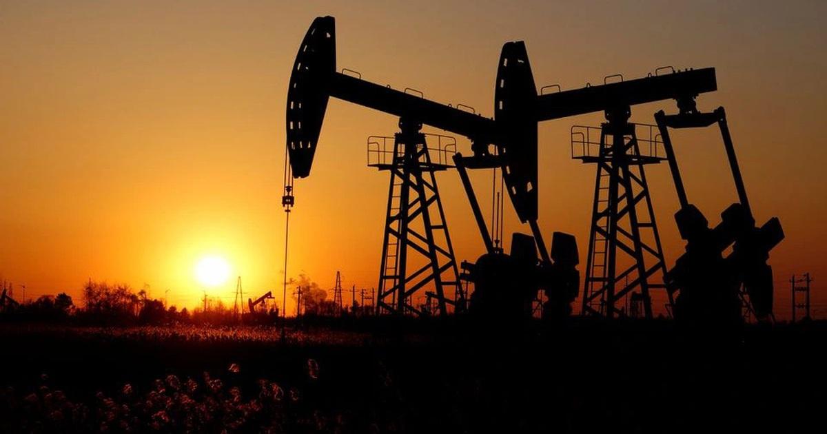 Vì sao giá dầu sôi sục, vọt lên mức cao nhất trong 3 năm?
