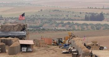 Căn cứ của Mỹ ở Syria bị dội tên lửa
