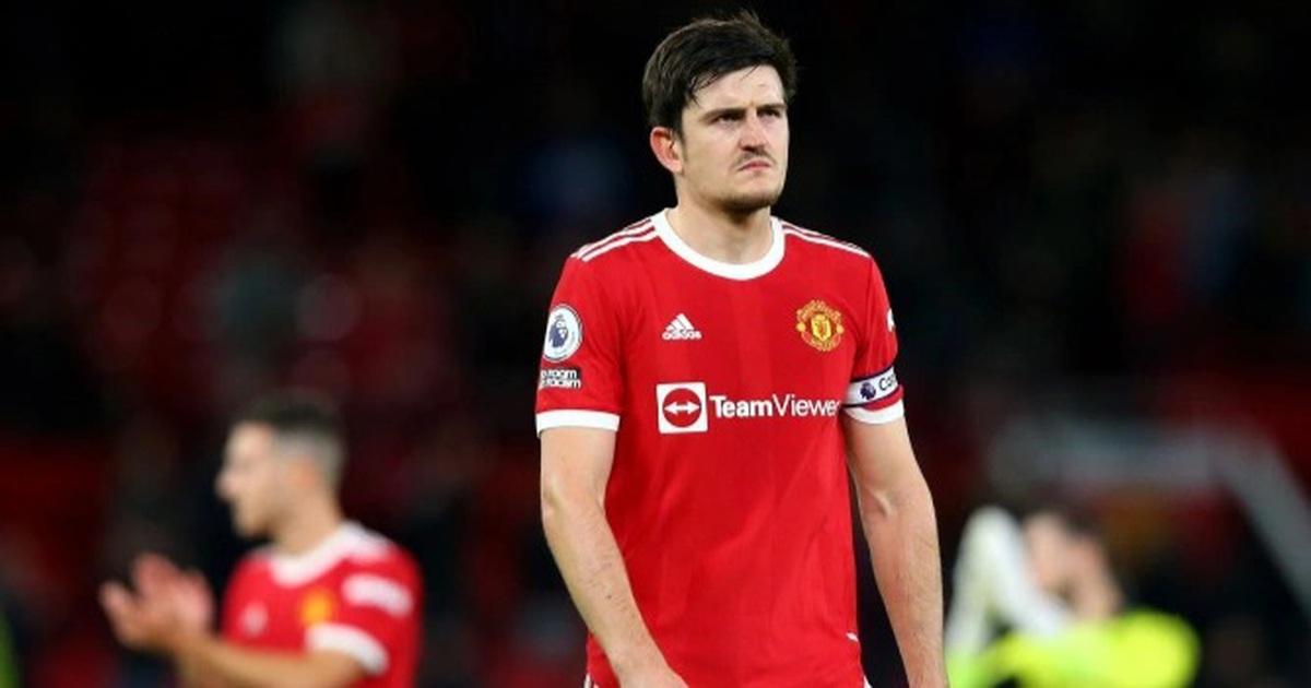 Đội trưởng Man Utd muối mặt xin lỗi người hâm mộ