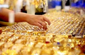 Giá vàng SJC tiếp tục giảm hơn 300 ngàn đồng/lượng