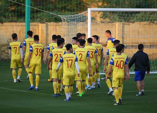 HLV Park Hang Seo loại Hoàng Thịnh, đôn 3 cầu thủ U22 lên đội tuyển Việt Nam