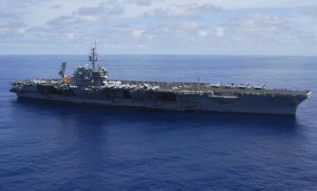 Tiêm kích Nga vờn tàu sân bay Mỹ năm 2000