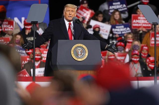 Bầu cử Mỹ 2020: Ông Trump dốc sức cho hai ngày vận động cuối cùng - 1