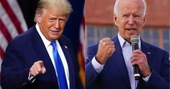Ông Trump thu hẹp khoảng cách với Biden tại các bang chiến địa