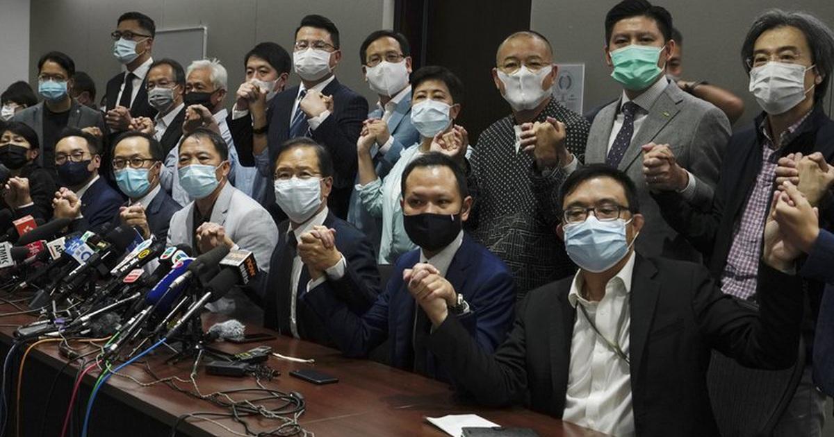 Nghị sĩ Hong Kong từ chức hàng loạt sau nghị quyết của Trung Quốc