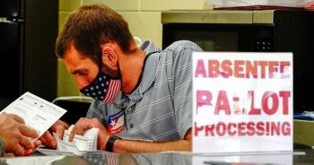 Bang Georgia kiểm lại bằng tay toàn bộ 5 triệu phiếu bầu