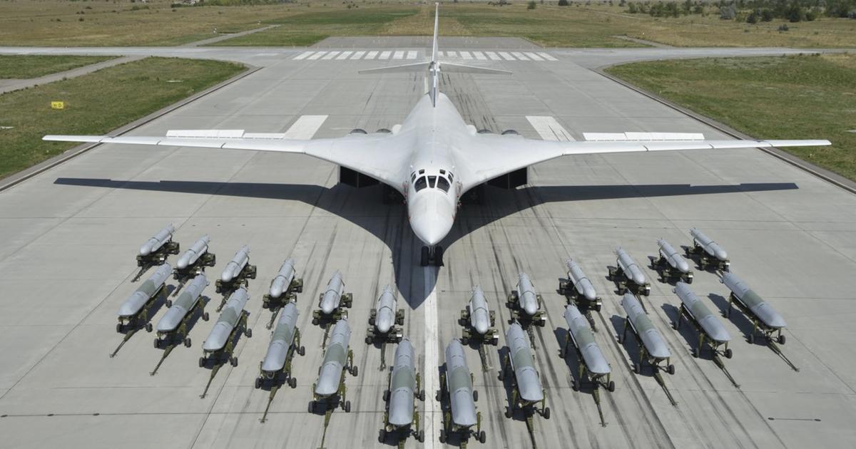 """Nga khoe dàn vũ khí """"khủng"""" trên bộ 3 máy bay ném bom chiến lược"""