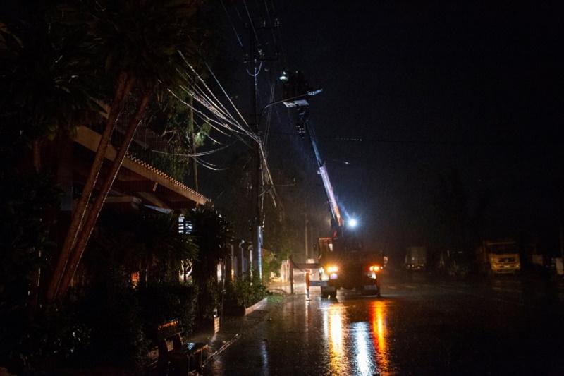 Người làm điện Quảng Nam trong mùa bão lũ