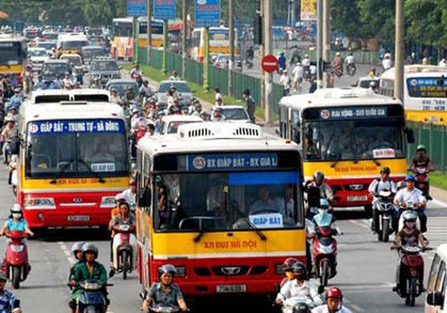 """Hà Nội: Khách xe buýt giảm """"sốc"""", nhiều tuyến nguy cơ dừng chạy vì lỗ nặng - 1"""