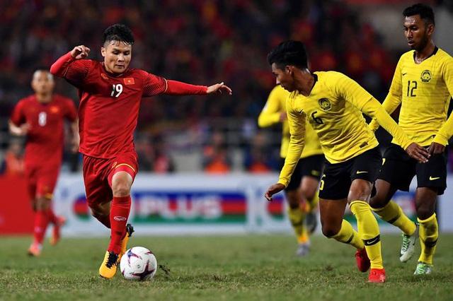 Hàng tiền vệ vẫn là bệ phóng của đội tuyển Việt Nam - 2