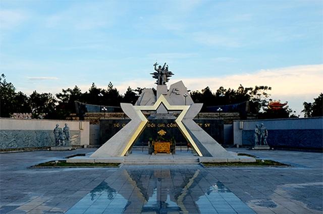 Chuyện về người cựu binh trông coi hơn 1.700 phần mộ liệt sĩ - 3