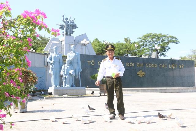 Chuyện về người cựu binh trông coi hơn 1.700 phần mộ liệt sĩ - 2
