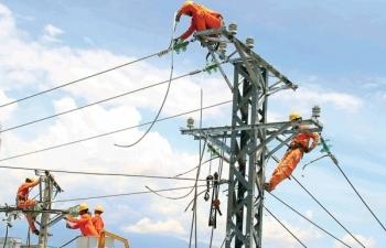 Thủ tướng yêu cầu bảo đảm đủ điện, không thể thiếu điện trong năm 2019