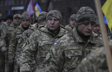 ukraine khong gia han thiet quan luat sau vu nga bat tau