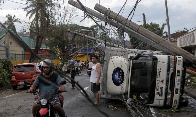 Ít nhất ba người chết vì bão Kammuri