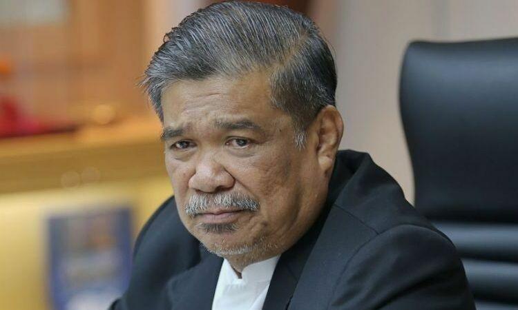 malaysia lo ngai cang thang tren bien dong