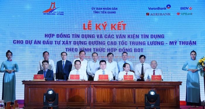 Ký kết Hợp đồng tín dụng cho Dự án đầu tư xây dựng đường cao tốc Trung Lương - Mỹ Thuận