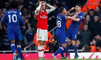 Chelsea thắng ngược Arsenal