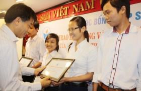"""Xét cấp 100 suất học bổng """"Thắp sáng niềm tin' năm 2013"""