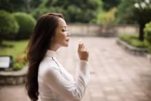 Ca sĩ Hồng Hạnh: Người đàn bà xõa tóc hát tình ca