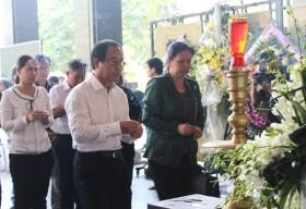 Đông đảo nhà văn, nghệ sĩ, bạn bè tiếc thương nhà văn Nguyễn Quang Sáng