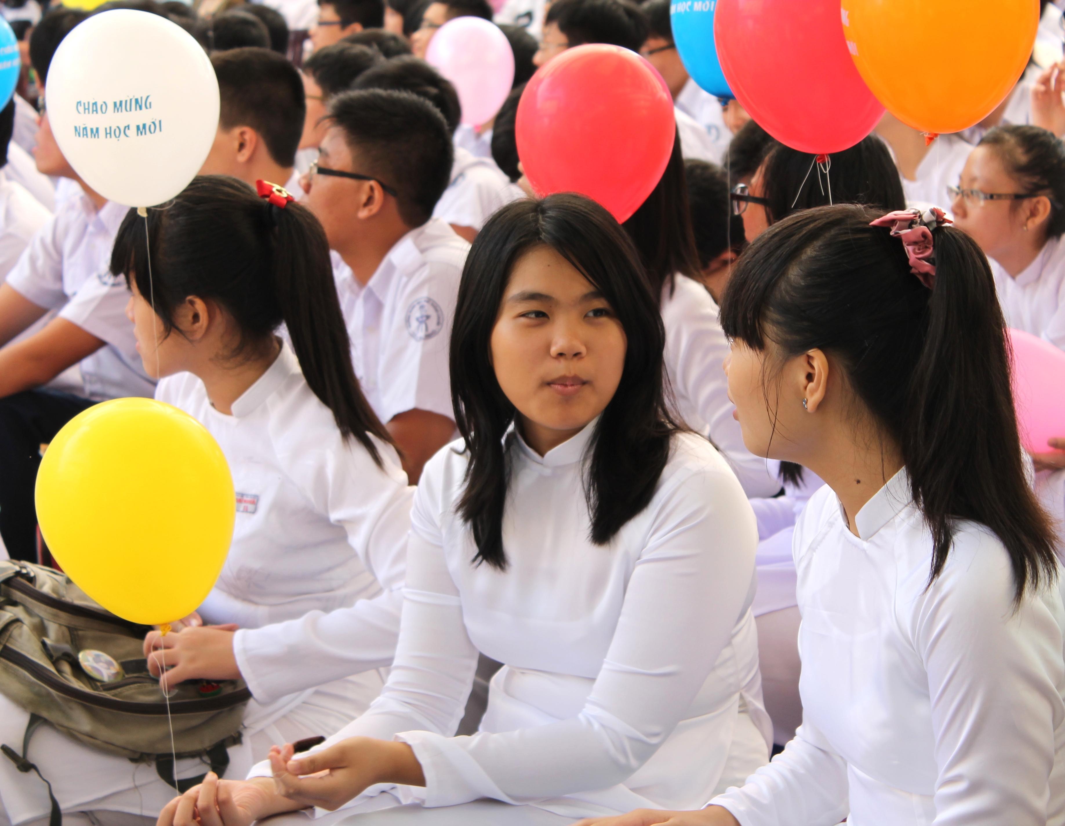 tp hcm truong cong lap duoc trich 40 hoc phi de cai cach tien luong
