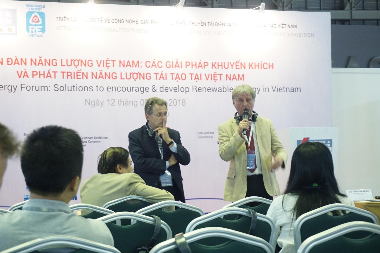 hon 180 doanh nghiep tham gia trien lam quoc te re ee vietnam 2018