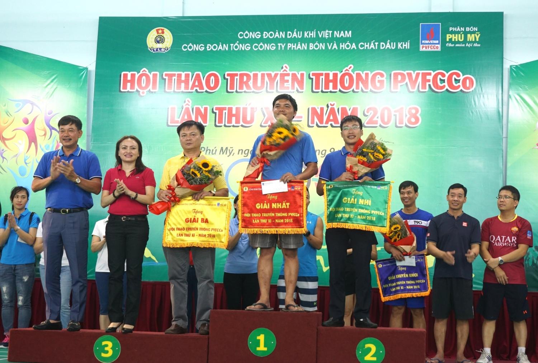 715 van dong vien tham du hoi thao truyen thong pvfcco lan thu xi