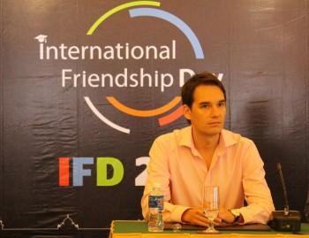 Sắc màu văn hóa trong 'Ngày Hữu nghị Quốc tế năm 2015'