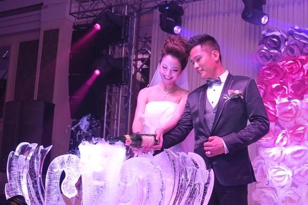 Hoa hậu Jennifer Phạm hạnh phúc với hôn nhân mới