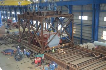 Lắp dựng vỏ máy phát tổ máy số 2 Nhà máy Nhiệt điện Thái Bình 2