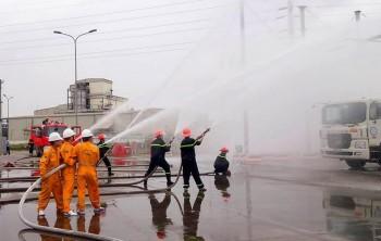 Diễn tập phương án chữa cháy và cứu nạn, cứu hộ tại Kho LPG Đình Vũ