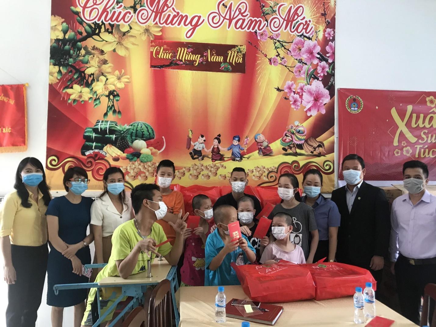 Nova Group đã đến và mang niềm vui tới các trẻ em tàn tật mồ côi tại Trung tâm công tác xã hội tỉnh Đồng Nai cơ sở 3 trong những ngày cận Tết Tân Sửu