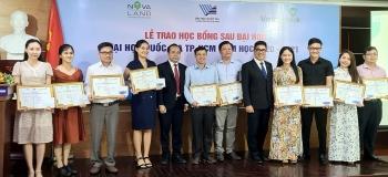 Novaland trao tặng 31 học bổng cho học viên, nghiên cứu sinh ĐHQG TP.HCM