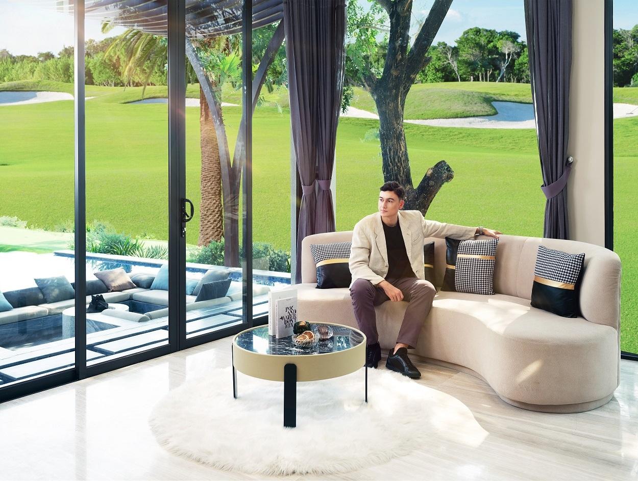 Căn biệt thự mà Văn Lâm yêu thích nằm giữa lòng sân golf PGA 36 hố, kề cận biển Phan Thiết và loạt tiện ích hấp dẫn của siêu dự án. Ảnh nhà mẫu PGA Golf Villas – NovaWorld Phan Thiet.