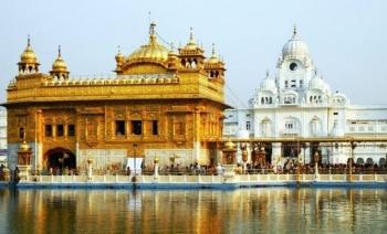 Các địa điểm tôn giáo nổi tiếng nhất ở Ấn Độ