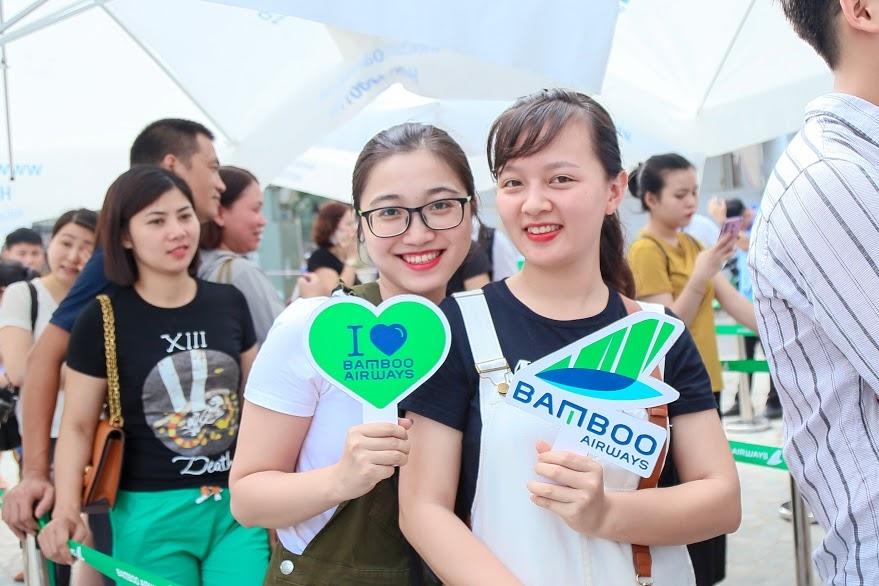 khach doi nang cho san ve uu dai tai bamboo airways tower cau giay