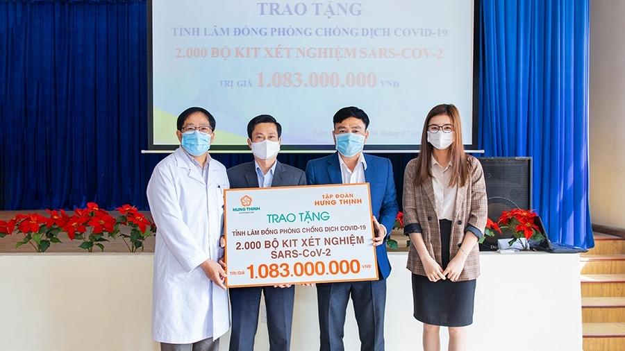 Tập đoàn Hưng Thịnh trao 2.000 bộ kit xét nghiệm Covid-19 hỗ trợ tỉnh Lâm Đồng
