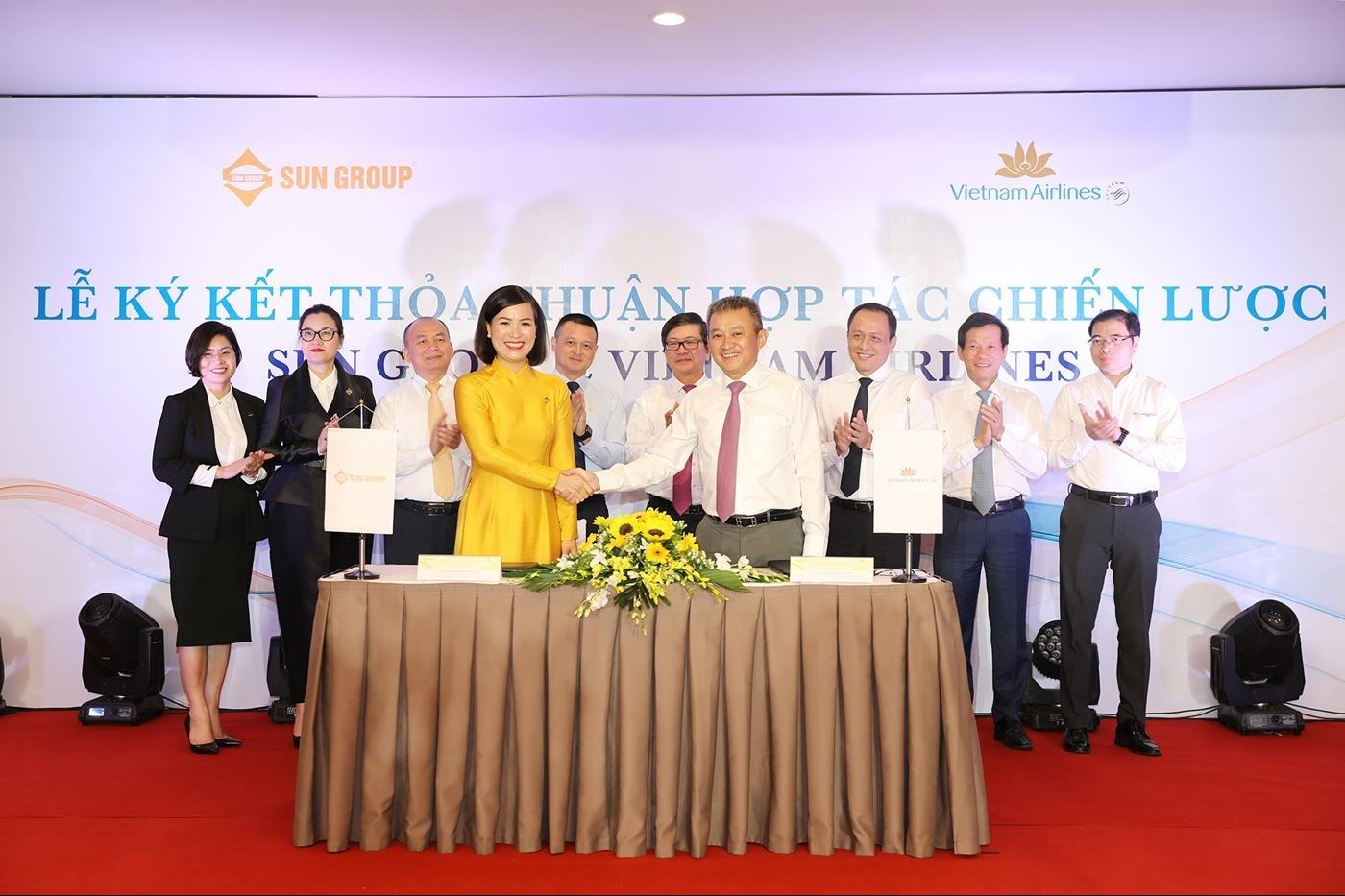 vietnam airlines va sun group ky ket thoa thuan hop tac chien luoc