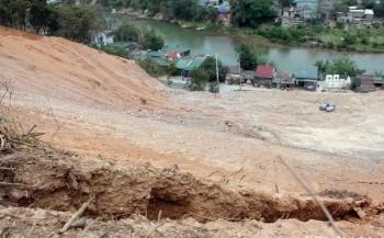 Nghệ An: Xử lý sạt lở đất tại huyện Kỳ Sơn